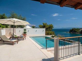 Villa Amor Sumartin – Seafront stone villa with pool Brac