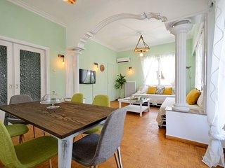 Kostas cottage house