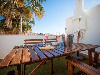 Budget Studio Peña with terrace close to old town Malaga