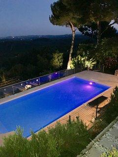 Location d'une villa  prestige et panoramique 4 chambres,piscine chauffee,tennis