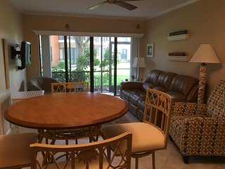 ☀Across from Resident's Beach☀JAN&APR 2019 STILL AVAILABLE☀2/2 Marco Condo☀