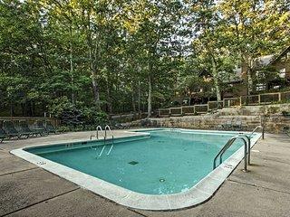 NEW! Cozy Wintergreen Resort Condo w/ Pool Access!