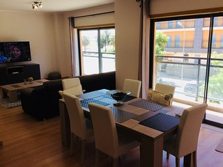 Apartment Oliveira, Pleasant and modern 3 bedroom holiday apartment