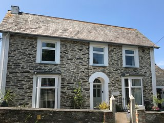 Trevanson Large 3 Bedroom Character House