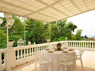 VILLA MARINASCO 8PAX Jacuzzi pool, free WiFi, BBQ, at few mins beaches & 5 Terre