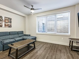Spacious Modern Condo near French Quarter & Bourbon St.