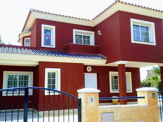 Stunning 4 bedroom villa with large private pool