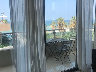 perfect location huge fl 2br suite with  amazing sea view facing Gordon beach