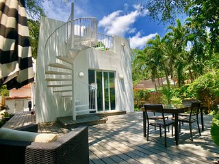 Luxury 4 Bedroom Mason Villa in Miami