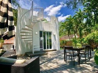 Luxury 4 Bedroom Mason Villa in Miami