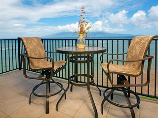 NEW LISTING! Oceanfront condo w/ lanai & shared pool - 1/2 mile to beach