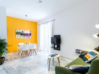 Apartment 469 m from the center of Seville with Lift, Internet, Washing machine,