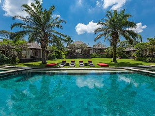 Villa The Beji - an elite haven, 6BR, Canggu
