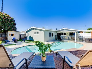 Family Getaway ★ Pool ★ Close to Everything ★ 4BD