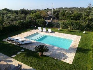 Casa del Pino Innamorato private pool, 4 bedrooms, wifi and air conditioning