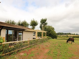 UPHAM VIEW, en-suite bedrooms, near Woodbury