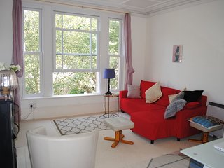 Spacious and bright seaside duplex in sunny Hastings
