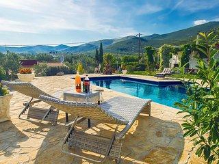 2 bedroom Villa in Plano, Splitsko-Dalmatinska Županija, Croatia : ref 5639749