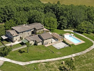 6 bedroom Villa in Montalcinello, Tuscany, Italy : ref 5635384