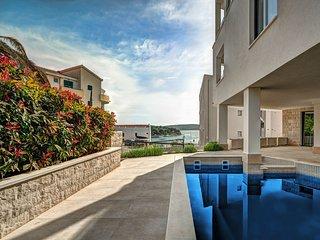 7 bedroom Villa in Trogir, Splitsko-Dalmatinska Zupanija, Croatia : ref 5627486