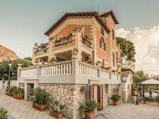 3 bedroom Villa in Lido di Mondello, Sicily, Italy : ref 5643809