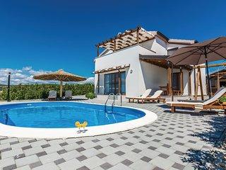 4 bedroom Villa in Vrana, Zadarska Zupanija, Croatia : ref 5565253