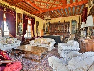 Maine d'Euche Chateau Sleeps 30 with Pool - 5575552
