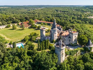 14 bedroom Chateau in Maine d'Euche, Nouvelle-Aquitaine, France - 5575552