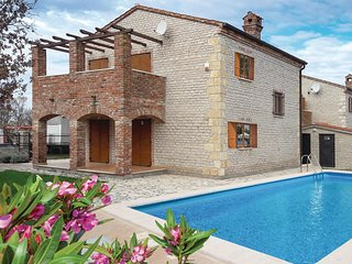 3 bedroom Villa in Cabrunici, Istria, Croatia : ref 5637074