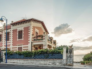 3 bedroom Villa in Lido di Mondello, Sicily, Italy : ref 5643809