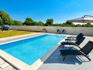 2 bedroom Villa in Buterin, Zadarska Zupanija, Croatia : ref 5639065