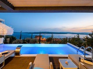 4 bedroom Villa in Crikvenica, Primorsko-Goranska Županija, Croatia : ref 563537