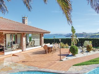 3 bedroom Villa in Candas, Asturias, Spain : ref 5635447