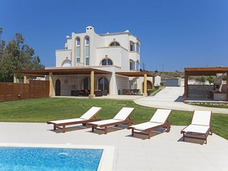 3 bedroom Villa in Kiotari, South Aegean, Greece : ref 5668558