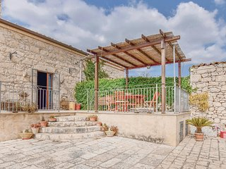 3 bedroom Villa in Tresauro, Sicily, Italy - 5633876