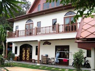 Panadda Villa - Tri Trang, Patong.  Sleeps 8