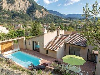 4 bedroom Villa in Chatillon-en-Diois, Auvergne-Rhone-Alpes, France - 5635520