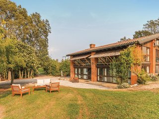 3 bedroom Villa in Noghera, Veneto, Italy : ref 5547377