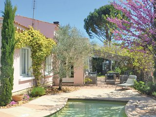 4 bedroom Villa in Villeneuve-les-Avignon, Occitania, France : ref 5644698