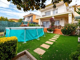4 bedroom Villa in Premia de Dalt, Catalonia, Spain : ref 5627409