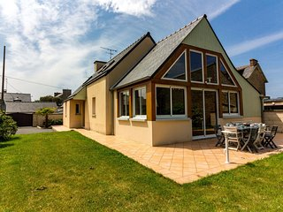3 bedroom Villa in Saint-Lunaire, Brittany, France : ref 5636793