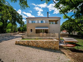 4 bedroom Villa in Gabonjin, Primorsko-Goranska Zupanija, Croatia : ref 5643644
