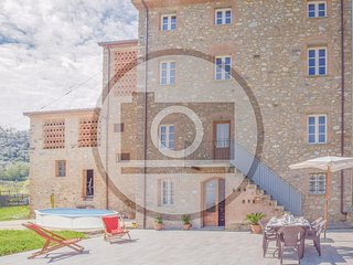 3 bedroom Villa in Capannori, Tuscany, Italy - 5625625