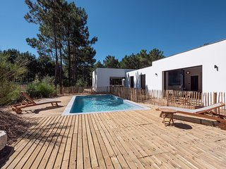 7 bedroom Villa in Les Mathes, Nouvelle-Aquitaine, France : ref 5643617