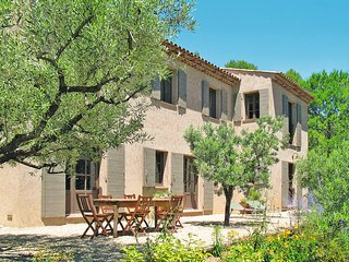 5 bedroom Villa in Lorgues, Provence-Alpes-Cote d'Azur, France : ref 5437095