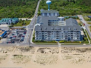 Adorable 3 bedroom OCEANFRONT condo! AMAZING beach views! Sleeps 6!