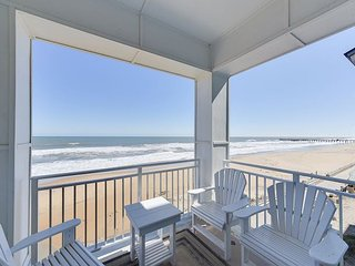 Beautiful Oceanfront Luxury Condo on the Beach!