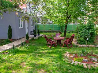 Fully equiped apartment with big garden in Belgrade