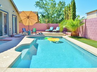 Sunny Peoria Home-Pool/BBQ