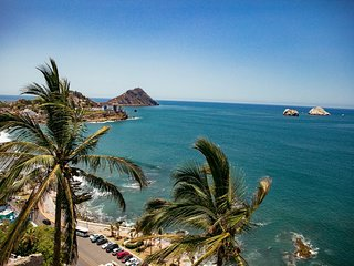 PRIVATE OCEANFRONT Casa Del Cerro Mazatlan